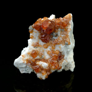GARNET VAR SPESSARTINE, CLINOCHLORE ON FELDSPAR